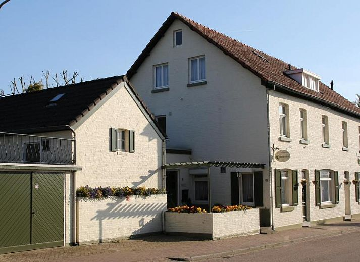 Guest house 203907 • Bed and Breakfast Zuid Limburg • Walnut Lodge Bed & Breakfast