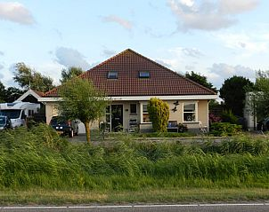 Guest house 450243 • Bed and Breakfast Noordzeekust • Valkenessie